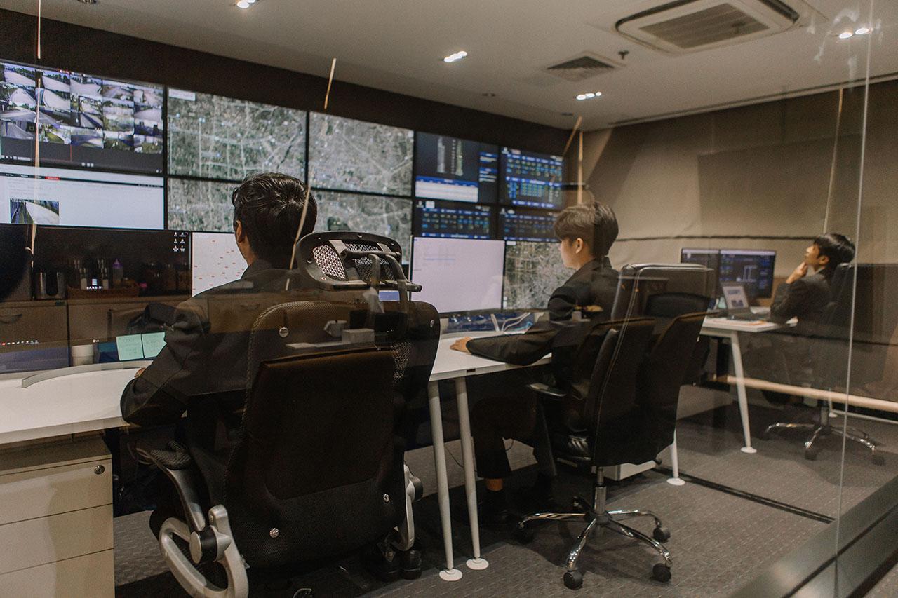 LIV-24 บริการดูแลความปลอดภัยจากศูนย์ควบคุมแบบเรียลไทม์ 24 ชั่วโมง จากแสนสิริ_1